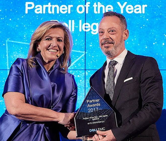 Photo 1_Partner of the Year – Dell Legacy BYTE S.A. (1)